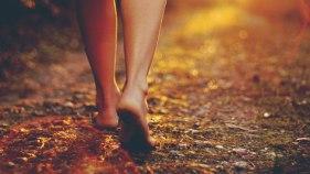 beneficios-de-andar-descalzo