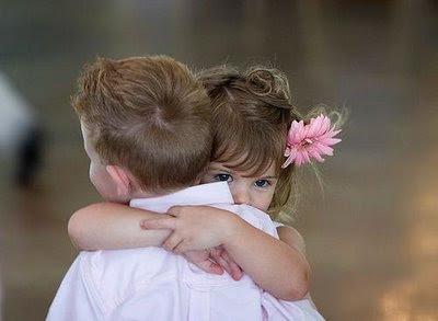 abrazos DE NIÑOS
