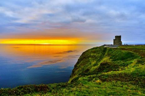 Acantilados-de-Moher-irlanda-castillo-a